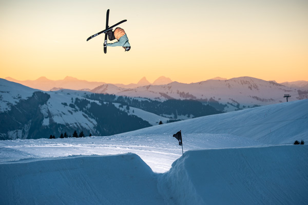 The freestyle community celebrates this incredible stunt in Gran Masta Park in Adelboden-Lenk.