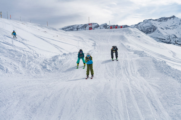 Master waves and jumps like the professionals at the Skicross Park am Betelberg