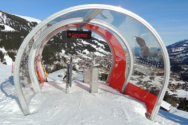 Skimovie at Chuenisbärgli. Here you can shoot your own world cup film and feel like a ski star