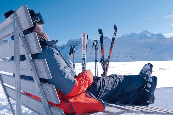 After skiing in Elsigen-Metsch you can relax on one of the numerous sun loungers